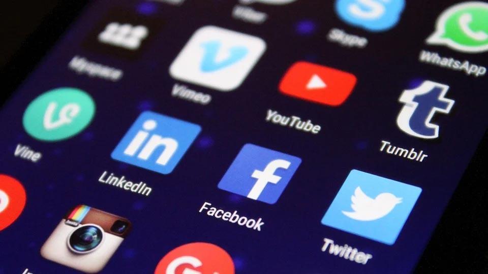 Jak prowadzić kampanie na Facebooku?